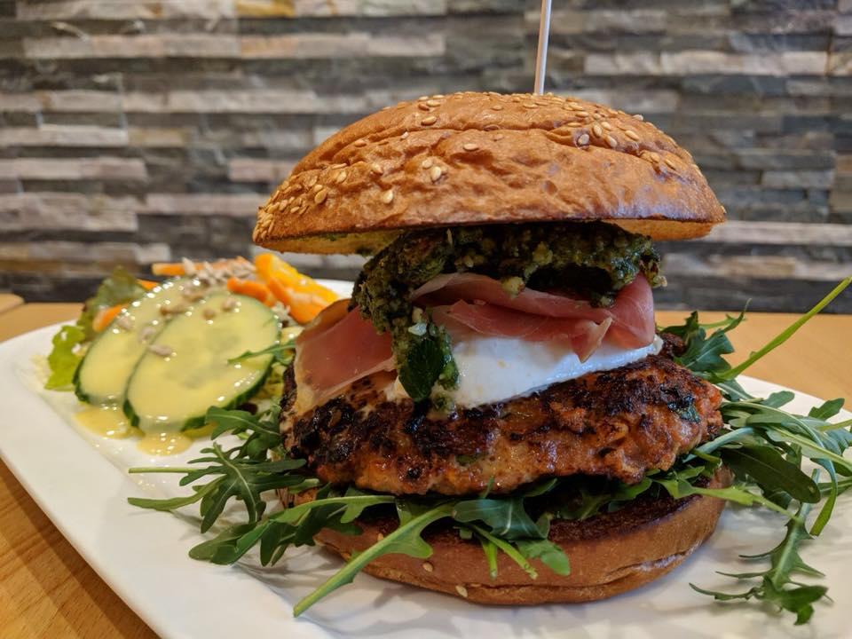 Essen gehen in Goslar: Der Parmaburger in unserem Restaurant